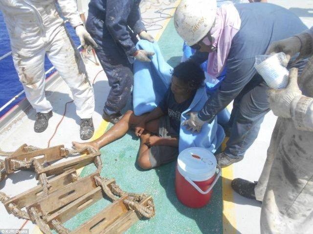 نوجوان اندونزیایی پس از 49 روز سرگردانی در دریا به خانه بازگشت