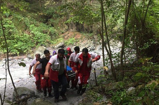 زن 37 ساله از آبشار لوار بندرگز سقوط کرد