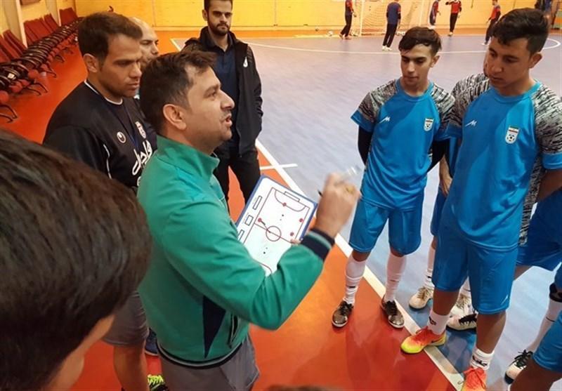 حمید شاندیزی: 100 بازیکن مستعد زیر نظر کادر فنی تیم فوتسال زیر 20 سال تمرین نموده اند