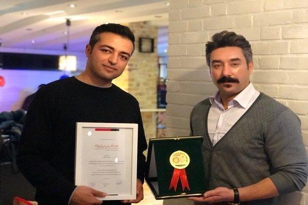 احسان کمالی هنرمند بجنوردی نشان طلایی را کسب کرد