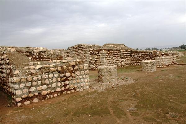 اتمام کاوش های فصل پنجم و مرمت دیواره های کشف شده در کاخ خسرو