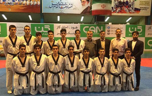 نوجوانان در بورنابی، مربیان در تهران، ویزا پولادگر صادر نشد
