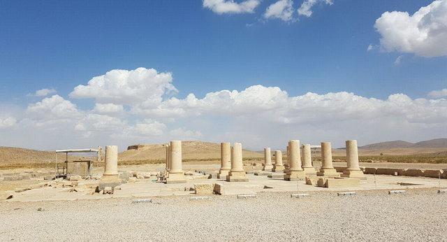 همکاری ایران و ایتالیا برای حفاظت از سازه های سنگی پاسارگاد