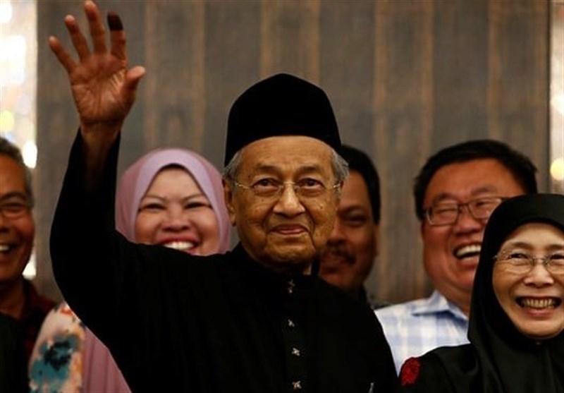 نخست وزیر مالزی: تحریم های هند مانع دفاع از مسلمانان کشمیر نمی گردد