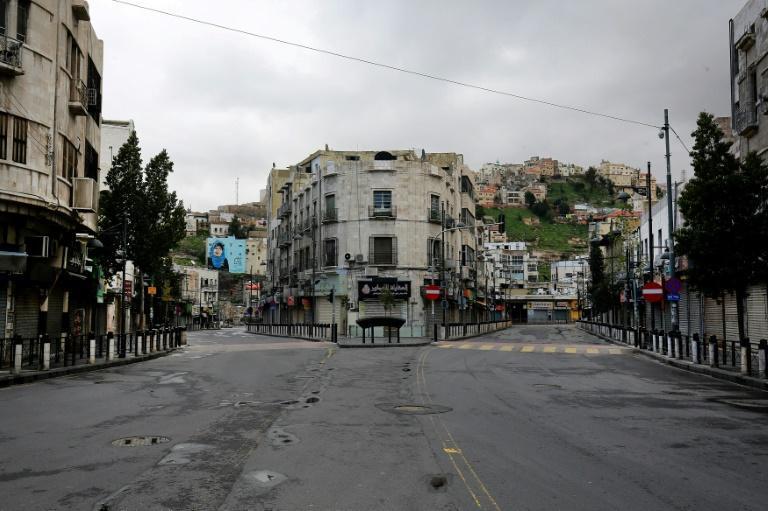شدیدترین قرنطینه دنیا در اردن: بازداشت 1600 نفر ، خرید از سوپرمارکت فقط غیرحضوری ، توزیع نان درب خانه ها