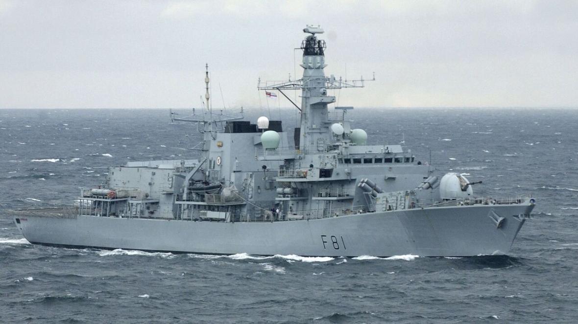 خبرنگاران کشتی های انگلیسی برای رهگیری ناوهای روسیه به حرکت درآمدند