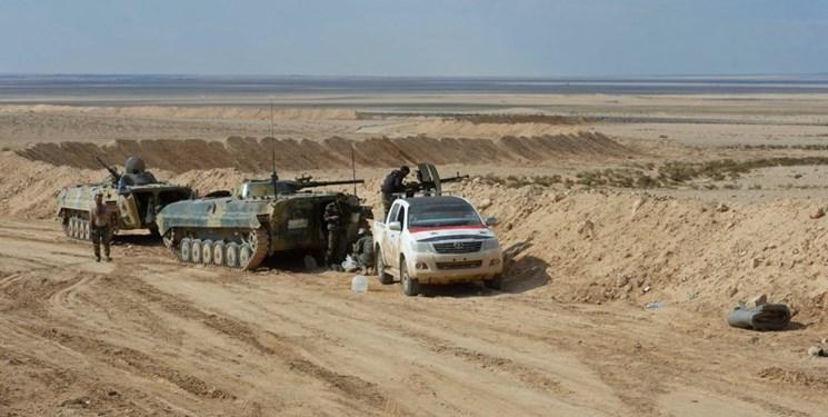 درگیری ارتش سوریه با تروریست های داعش در بیابان های دیرالزور و حمص