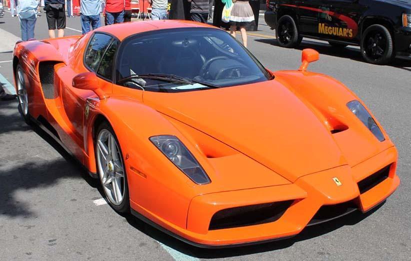 فراری انزو 2003 به گران ترین خودرو فروخته شده در یک حراجی آنلاین تبدیل شد