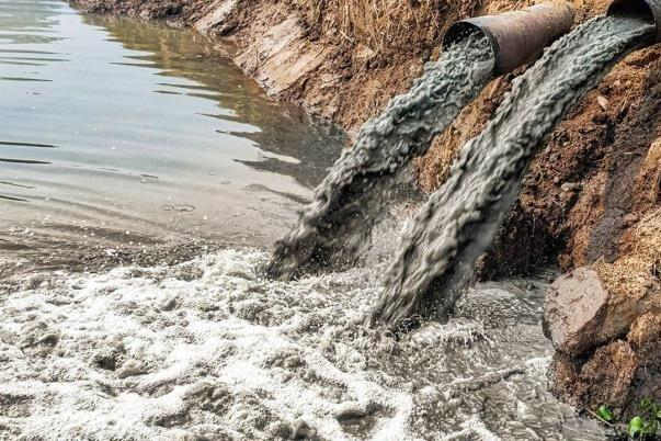 کاهش آلاینده های فلزی در منابع آب و خاک با فناوری نانو