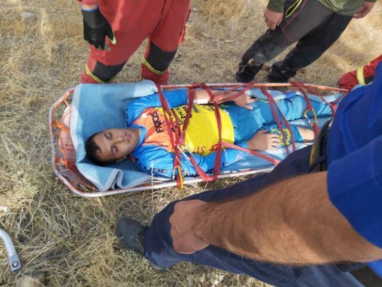 (عکس) سقف پاترول، آمبولانس دوچرخه سوار مصدوم شد!