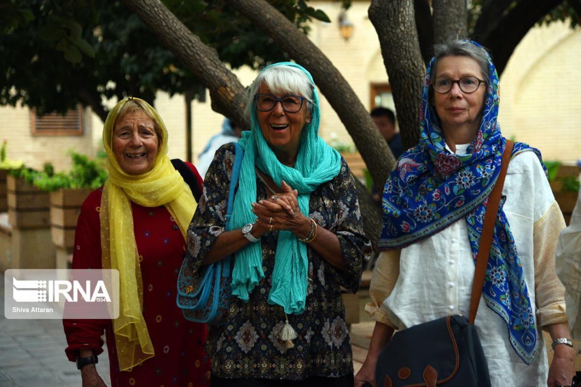 خبرنگاران استاد دانشگاه: کرونا صنعت گردشگری را فلج کرد