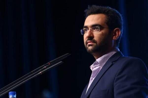 آذری جهرمی به مقام شهدای زاهدان ادای احترام کرد