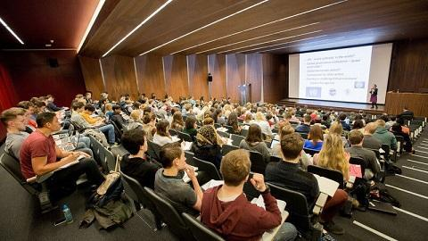 هزینه های برگزیت برای دانشجویان اروپایی