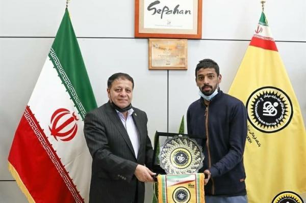 مهاجم عمانی از سپاهان جدا شد