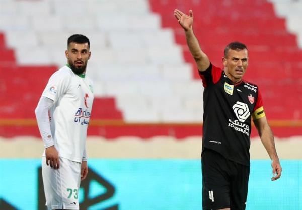 حسینی: تمرکز باشگاه پرسپولیس روی 2 ملاقات آینده باشد تا خرید بازیکن، 5 میلیون و 500 هزار دلار درآمدزایی کردیم