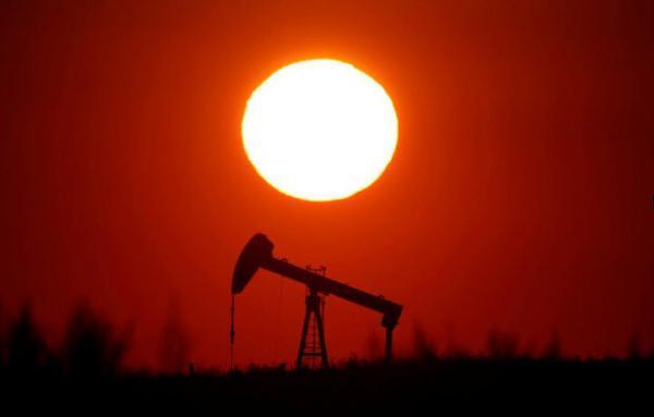 قیمت نفت خام از سقوط بازگشت خبرنگاران