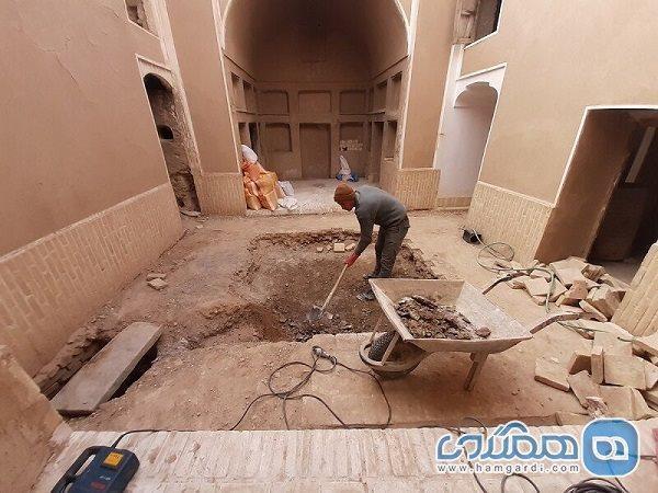 52 اثر تاریخی ابرکوه بازسازی و بازسازی شد