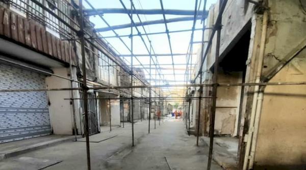عملیات بازپیرایی و بازسازی بازار تاریخی فرش مشهد شروع شد