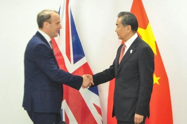 وزیران خارجه انگلیس و چین درباره برجام گفتگو کردند
