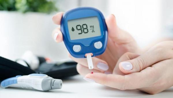چرا دچار نوسانات قند خون می شویم؟ 15 دلیل تعیین
